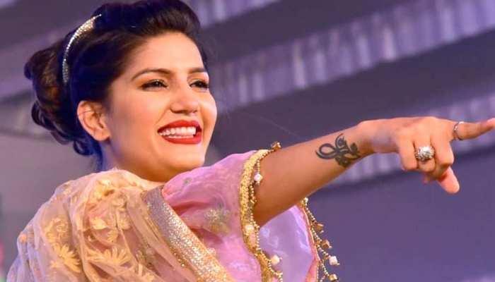 VIDEO: 'बिग बॉस' में देखा नेहा का पोल डांस, सपना चौधरी को मिस करने लगे फैंस