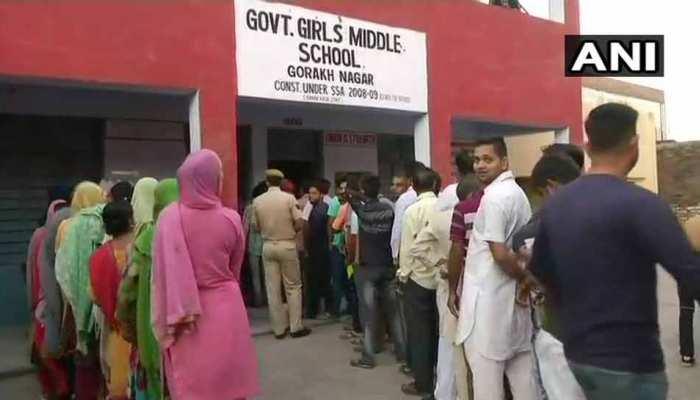 J&K निकाय चुनाव : केंद्रीय मंत्री जितेंद्र सिंह और कविंदर गुप्ता ने जम्मू में डाला वोट