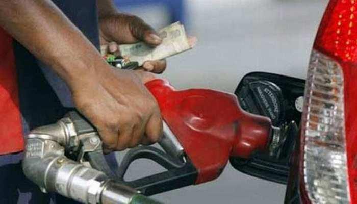 पेट्रोल-डीजल की कीमतों में आज फिर हुआ इजाफा, इतने हो गए दाम
