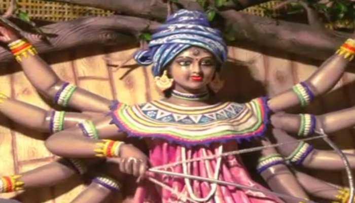 जमशेदपुर : अंतिम चरण में दुर्गा पूजा की तैयारी, बन रहे हैं 400 से अधिक पंडाल