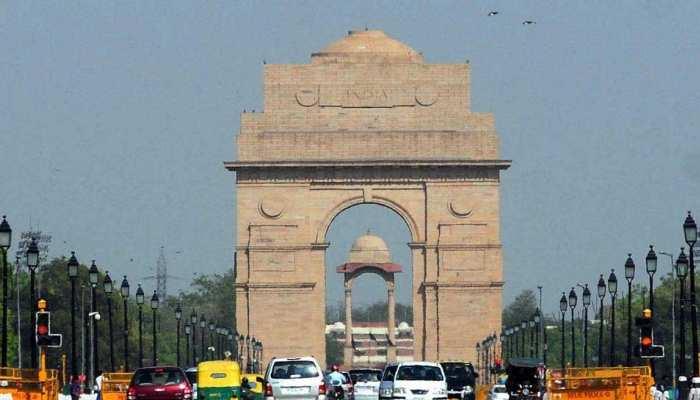 आज राजधानी दिल्ली में छाए हुए हैं बादल , दिन में हो सकती है हल्की बारिश