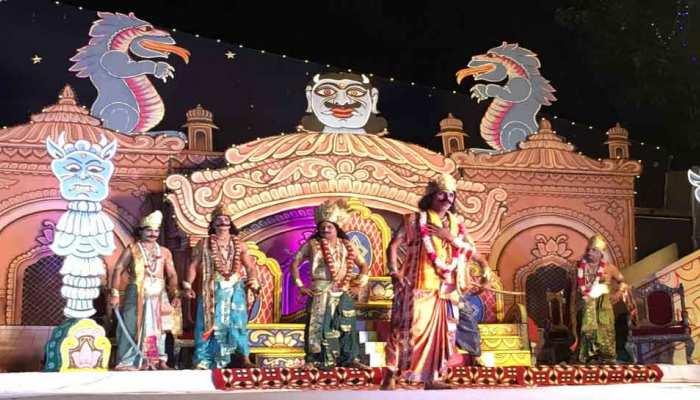 Delhi Oldeset in Luv Kush Ram Leela starts Union Minister Dr. Harshvardhan played the role of Raja Janak