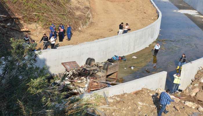 तुर्की: प्रवासियों को लेकर जा रहा वाहन नदी में गिरा, बच्चों समेत 19 लोगों की मौत