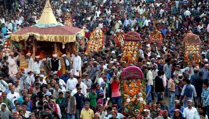 दशहरा 2018: कुल्लू घाटी में ऐसे मनाया जाता है रावण दहन, 6 दिन चलता है उत्सव