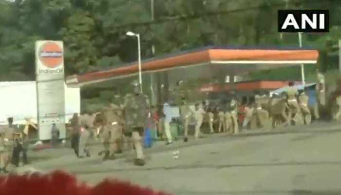 VIDEO: सबरीमाला मंदिर में प्रदर्शनकारियों और पुलिस के बीच हिंसक झड़प