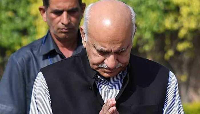 अपनी सल्तनत खोने वाले अकबर एक जमाने में राजीव गांधी के भी थे बेहद खास