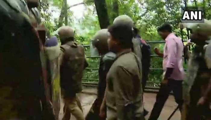 सबरीमाला मंदिर: बिना दर्शन प्रवेश द्वार से लौटीं दोनों महिलाएं, पुलिस ने कहा था- 'हालात ठीक नहीं'