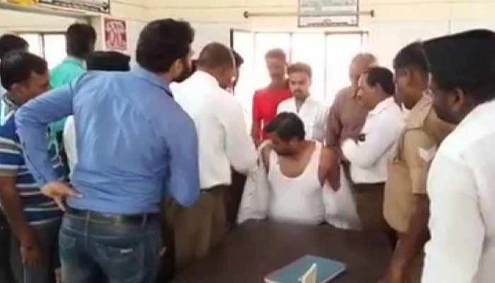 शस्त्र पूजन में हुआ हर्ष फायर, पत्रकार को लगी गोली, हालत गंभीर
