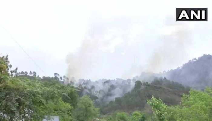 जम्मू & कश्मीर: सेना ने LoC पर 2 घुसपैठिए किए ढेर, 3 जवान शहीद