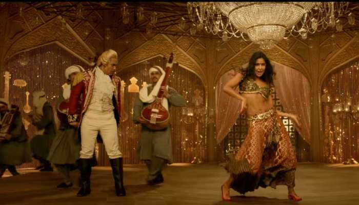 Video: सुरैया बनीं कैटरीना कैफ की खूबसूरती के दीवाने हुए 'ठग' आमिर खान