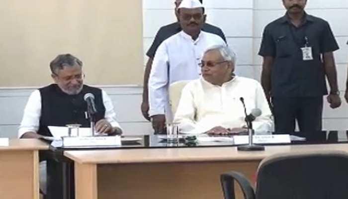 बिहार में कैबिनेट विस्तार पर JDU-BJP विधायकों की नजर, 9 मंत्री पद हैं रिक्त