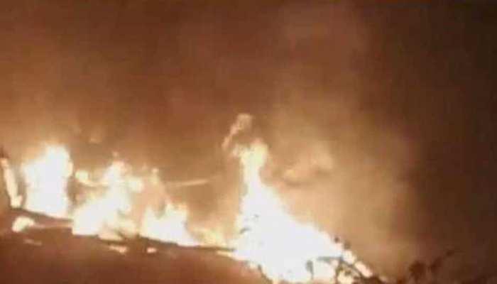 गाजियाबाद: अवैध रूप से चल रही पटाखा फैक्ट्री में विस्फोट, कई घंटे बाद आग पर पाया काबू