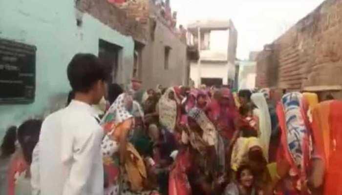 मथुरा: बीमार पत्नी ने करवा चौथ का व्रत रखने से किया मना, तो पति ने लगा ली फांसी