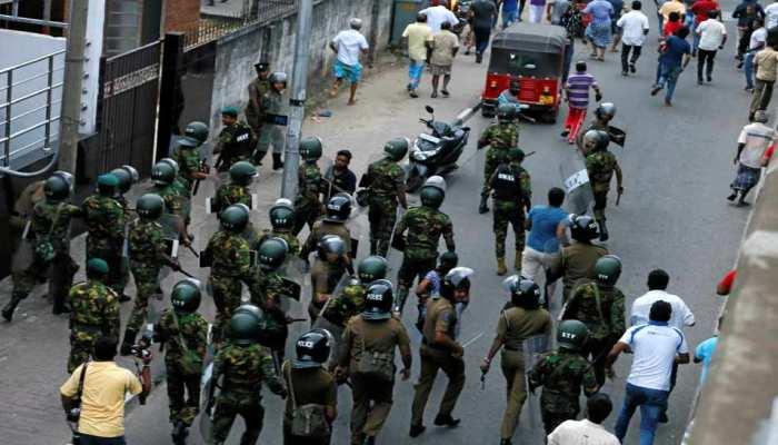श्रीलंका में जारी राजनीतिक संकट के बीच भड़की हिंसा, गोलीबारी में एक की मौत, दो घायल
