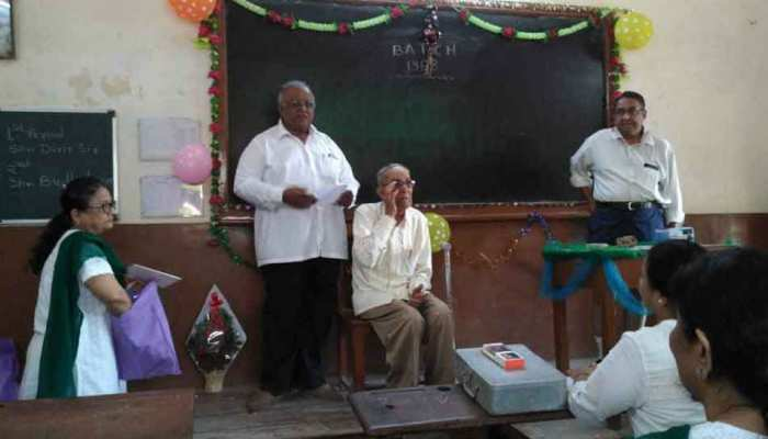 Gujarat: alumni meet in a diwan ballubhai school in Ahmadabad