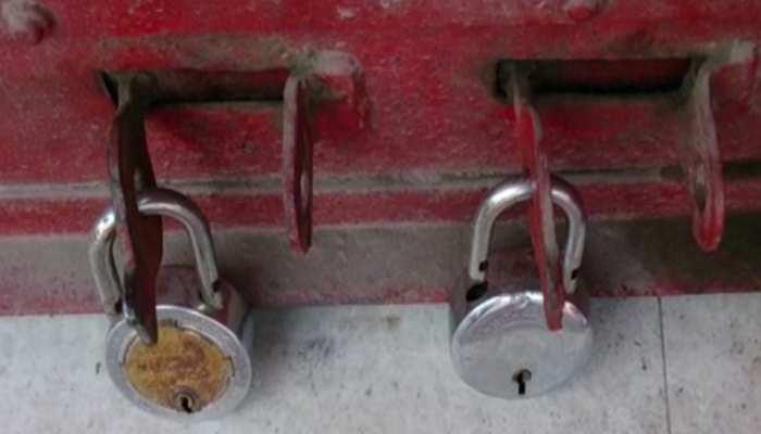 बैंक लॉकर तोड़ने में असफल रहे तो CCTV कैमरा और हार्ड डिस्क लेकर फरार हुए चोर