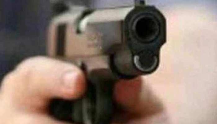 मानसिक तनाव से ग्रस्त युवक ने पत्नी को गोली मारकर की आत्महत्या