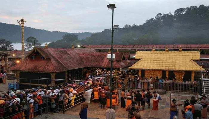 सबरीमाला मंदिर में अब भक्तों को दर्शन के लिए करानी होगी ऑनलाइन बुकिंग