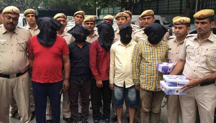 दिल्ली में मनी एक्सचेंज का काम करने वालों को लूटने वाला गैंग गिरफ्तार