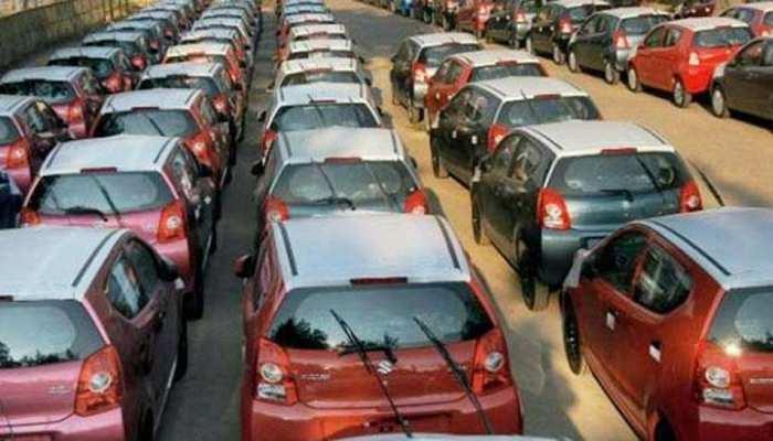 Maruti नहीं इस बार फोर्ड ने मचाया धमाल, Honda ने भी गाड़े झंडे