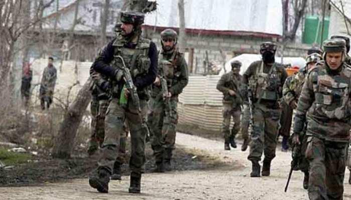 जम्मू कश्मीर : सेना ने तनावपूर्ण स्थिति में किश्तवाड़ में किया फ्लैग मार्च