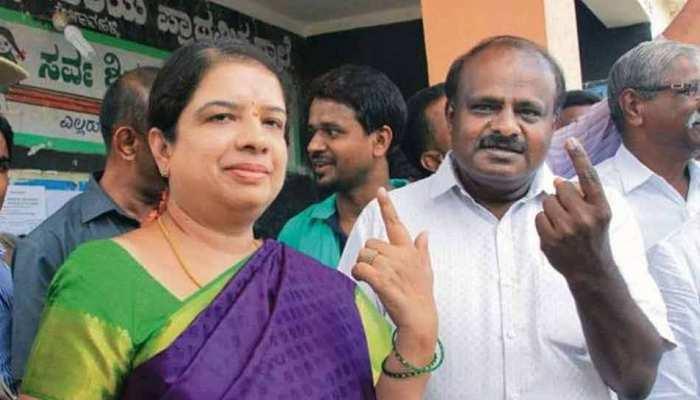 Karnataka By Election 2018: BJP प्रत्याशी के सहयोग से CM की पत्नी जीतीं, जामखंडी में भी पैर नहीं जमा पाई BJP