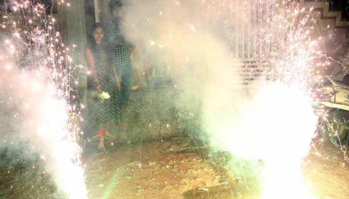 दिवाली की रात कम पटाखे जले, फिर भी दिल्ली-NCR में प्रदूषण खतरनाक स्तर पर पहुंचा