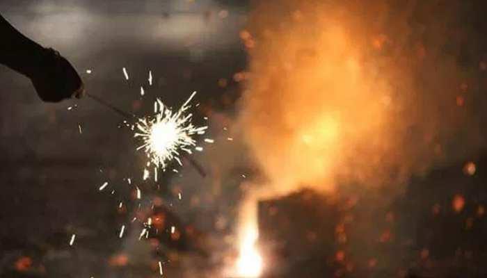 सिंगापुर : दिवाली पर फोड़े भारतीयों ने पटाखे, तो पुलिस ने किया गिरफ्तार, हो सकती है 2 साल की जेल