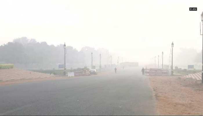 दिल्ली: प्रदूषण के स्तर में सुधार लेकिन वायु गुणवत्ता अभी भी बनी हुई है 'गंभीर'