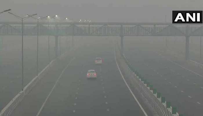 दिवाली के दो दिन बाद भी नहीं सुधरे हालात, दिल्ली-NCR के इन इलाकों में प्रदूषण का स्तर 'खतरनाक'