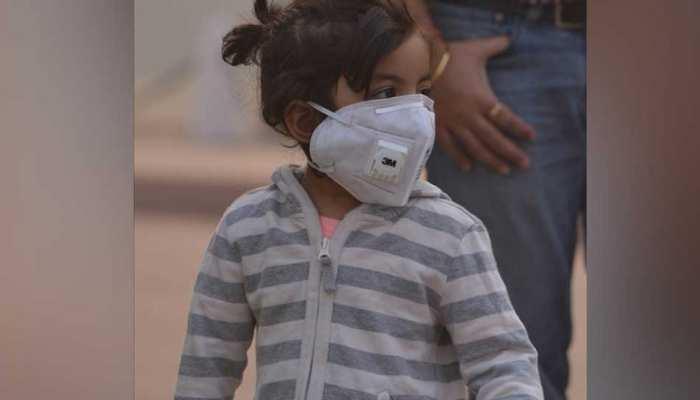प्रदूषण का प्रकोप, नोएडा में स्कूलों में बच्चों की आउटडोर एक्टिविटी पर लगी रोक