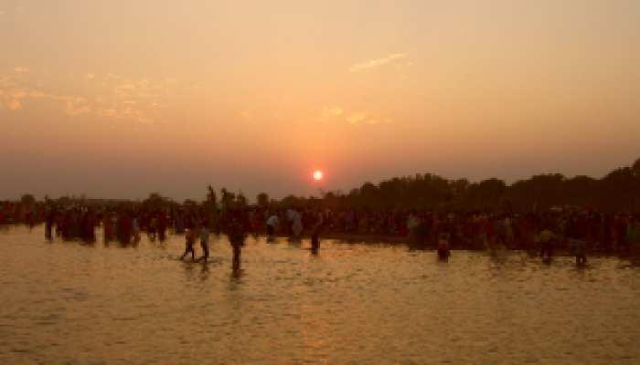 आस्था का महापर्व छठ जब डूबते सूर्य को दिया जाता है पहला अर्घ्य!
