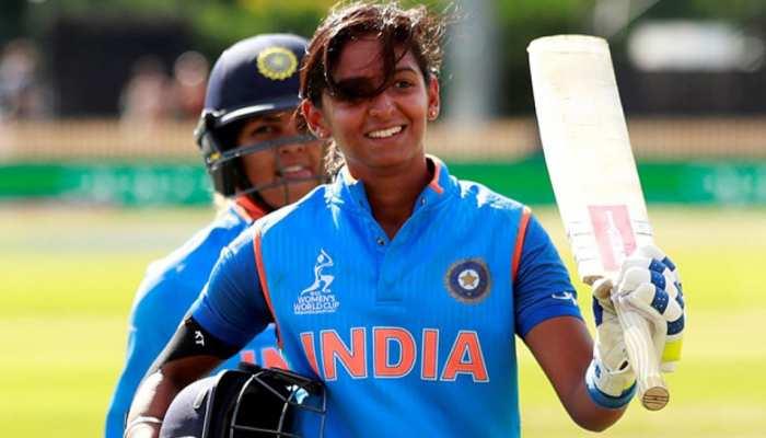 VIDEO: हरमनप्रीत ने भारत-पाक मैच में राष्ट्रगान के बाद किया ऐसा काम, जीता सबका दिल