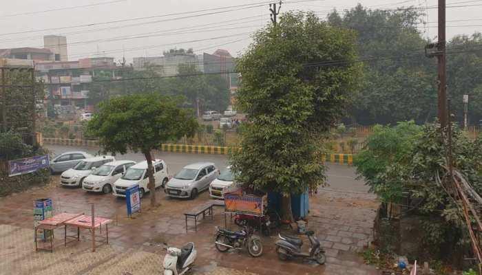 दिल्ली-NCR में शुरू हुई बारिश, प्रदूषण होगा कम, बढ़ेगी ठंड