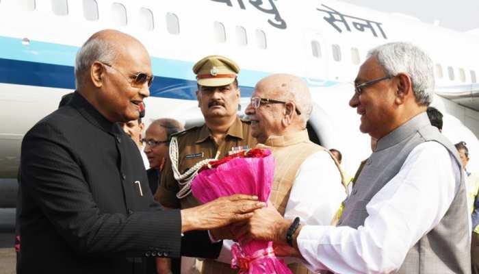 पटना पहुंचे राष्ट्रपति रामनाथ कोविंद, सीएम नीतीश ने किया एयरपोर्ट पर स्वागत