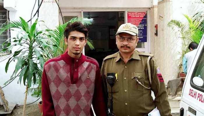 दिल्लीः 3 गर्लफ्रेंड के खर्च के लिए करने लगा लूटपाट, पुलिस के हत्थे चढ़ा स्नैचर