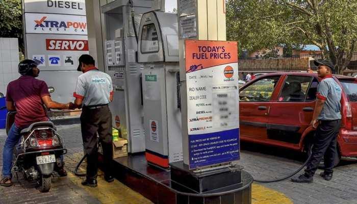 लगातार 5वें दिन घटे पेट्रोल-डीजल के दाम, जानें आज के नए रेट