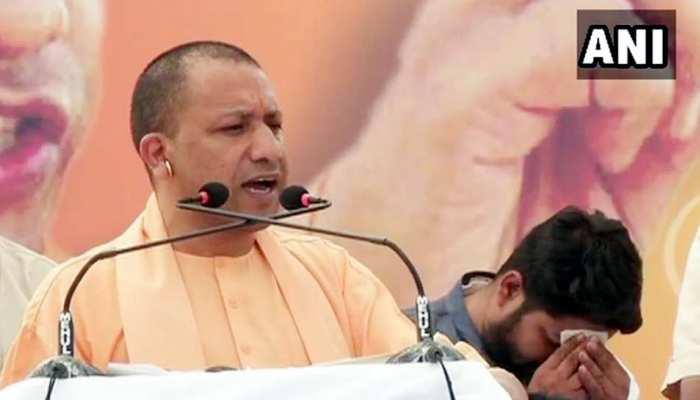 राहुल गांधी मंदिर में घुटनों के बल बैठ गए, पुजारी बोले, 'ये मस्जिद नहीं है' : योगी आदित्यनाथ