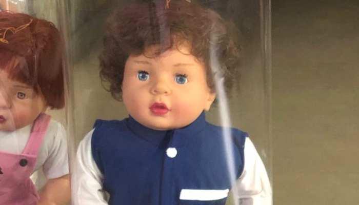 लो जी! अब बाजार में बिकने लगे तैमूर Dolls, इंटरनेट पर वायरल हो रही है ये फोटो