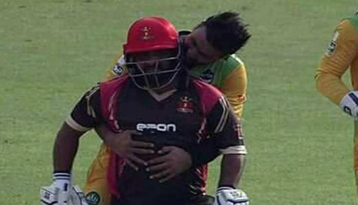 VIDEO: मोहम्मद शहजाद को आउट कर सोहेल खान ने मनाया अजीबोगरीब जश्न, बल्लेबाज को नहीं आया पसंद