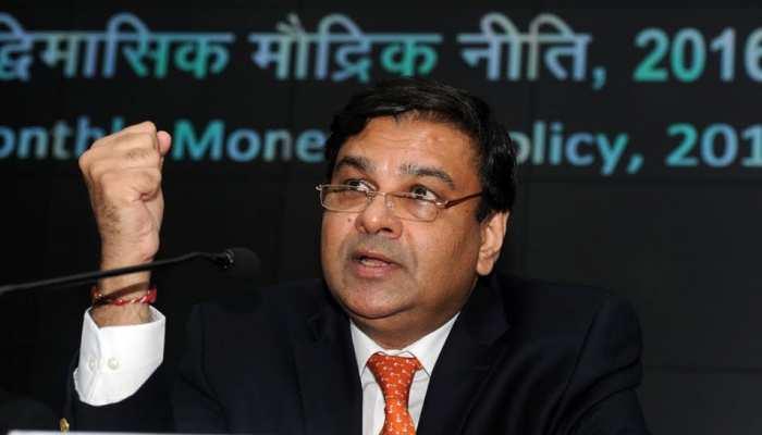 संसदीय समिति के सामने पेश हुए RBI गवर्नर उर्जित पटेल : सूत्र
