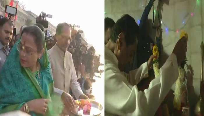 MP Elections: CM Shivraj prays on the banks of Narmada river and Kamal Nath at a Hanuman temple