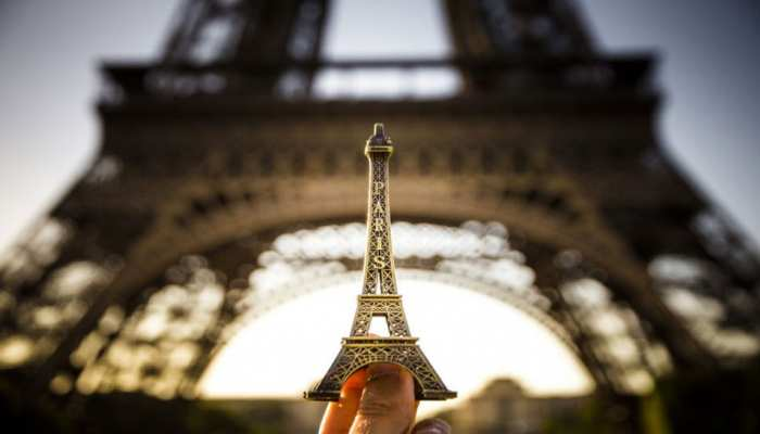 Stairs from Eiffel Tower sell for 169,000 euros