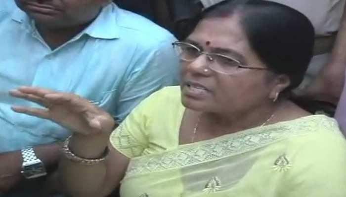 बेगूसराय: आर्म्स एक्ट मामले में पूर्व मंत्री मंजू वर्मा और पति चंद्रशेखर वर्मा की पेशी आज