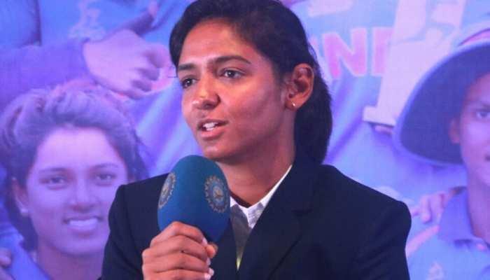 महिला क्रिकेट टीम में बढ़ी कलह, मिताली के विरोध के बीच रमेश पोवार के पक्ष में उतरीं हरमनप्रीत