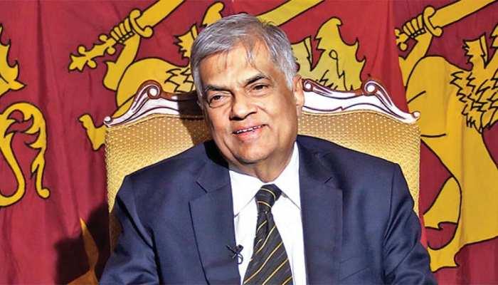 श्रीलंका: हटाए गए पीएम रानिल विक्रमसिंघे ने राष्ट्रपति से कहा, हिटलर मत बनिए