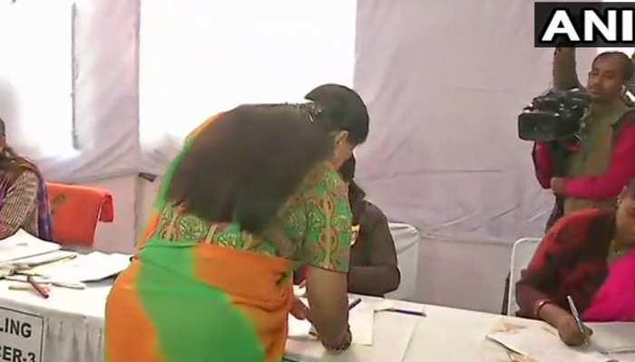 राजस्थान चुनाव : वसुंधरा राजे ने किया मतदान, कहा- 'हमारी ही होगी जीत'