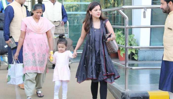 Sakshi and ziva reached Udaypur for Isha Ambani Pre wedding function, MS Dhoni not in pics