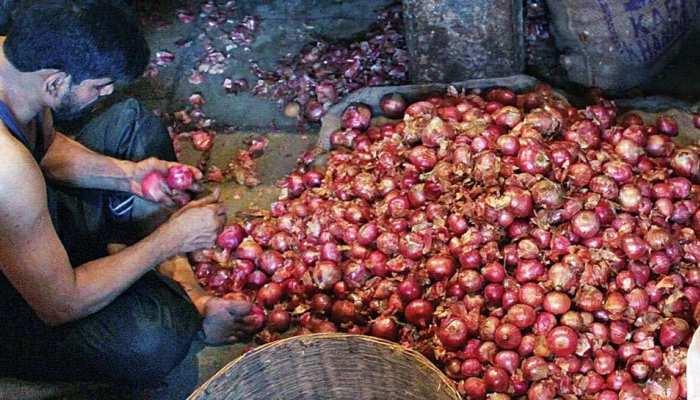 महाराष्ट्र के किसान ने प्याज बेचने से हुई 6 रुपये की कमाई मुख्यमंत्री को भेजी