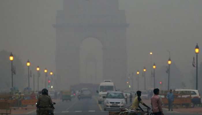 दिल्ली में न्यूनतम तापमान 7.6 डिग्री सेल्सियस पर पहुंचा